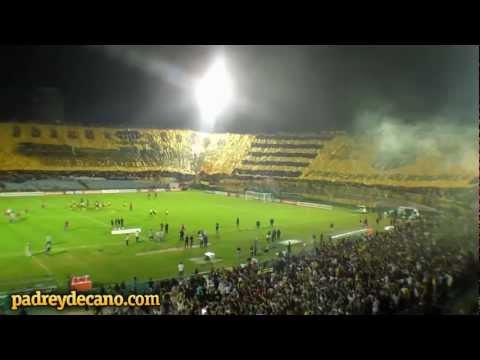 Recibimiento Peñarol con la Bandera Más Grande del Mundo - Barra Amsterdam - Peñarol
