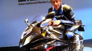 2. 2010 BMW S1000RR Review - Not your father's BMW