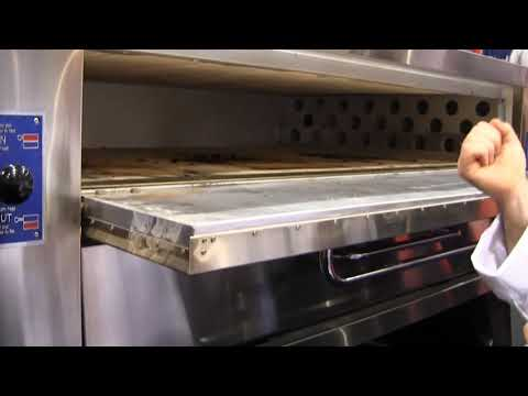 Bakers Pride® - Single Deck Pizza Oven (#Y-600)