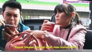 Video Pegang susu pacar[Hold the milk girlfriend] MP3, 3GP, MP4, WEBM, AVI, FLV Oktober 2018