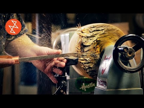 Talented Carpenter Demonstrates How He Turns a Beech Wood Log Into a Polished