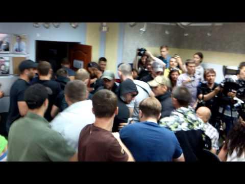 Избили Алексея Дурнева