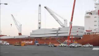 Macarthur Wind Farm Unloading Blades First Shipment at Portland Australia