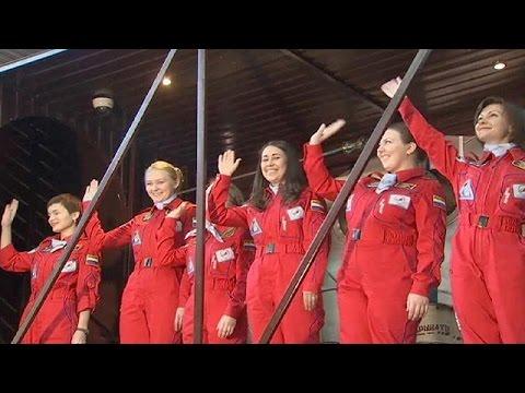Ρωσία: Έξι γυναίκες σε διαστημική κάψουλα για οκτώ ημέρες