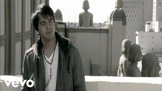 Luis Fonsi - Aunque Estes Con El (Official Music Video)