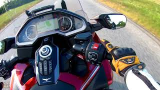 8. Honda Gold Wing Tour DCT 2018 review 4K - Onroad.bike