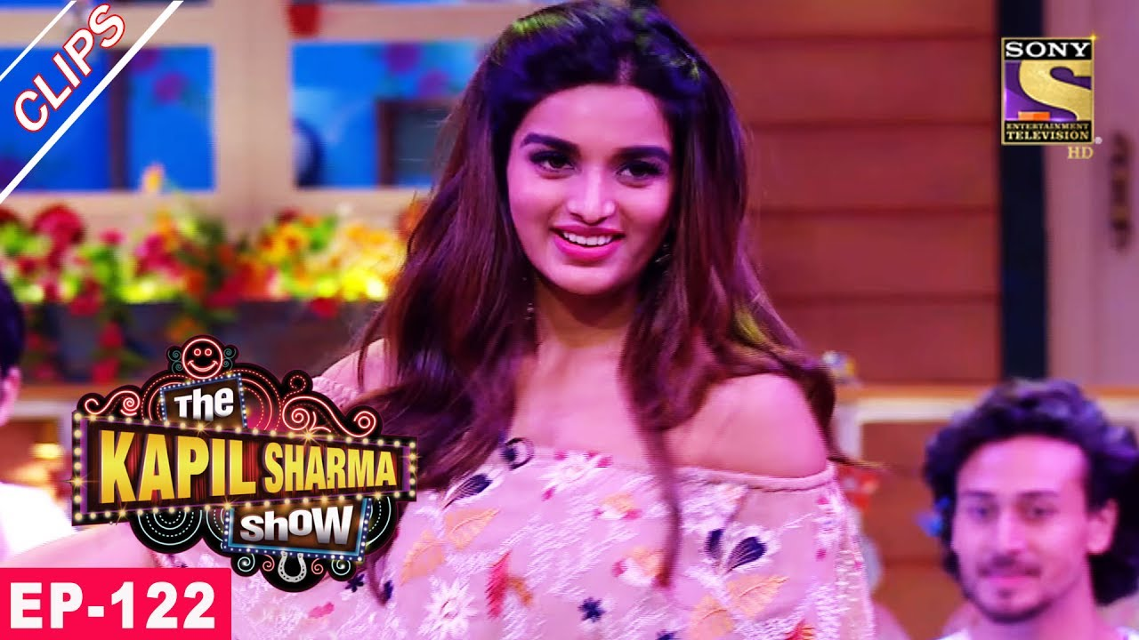 Chandu's Romantic Moment With Nidhhi Agerwal – The Kapil Sharma Show – 16th July, 2017