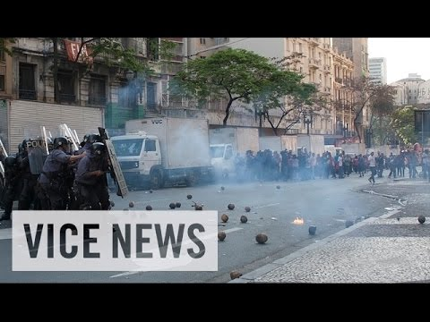 17 - Subscribe to VICE News here: http://bit.ly/Subscribe-to-VICE-News The VICE News Capsule is a news roundup that looks beyond the headlines. Today: angry mob s...