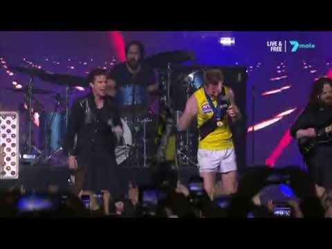 Jack Riewoldt Sings Mr Brightside With The Killers 2017 AFL GRAND FINAL