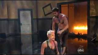 P!nk - Try ( American Music Awards 2012 )