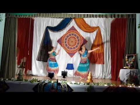 Video Badi Muskil - Reena & Pragyan - London Raja 2013 Stage Performance download in MP3, 3GP, MP4, WEBM, AVI, FLV January 2017
