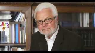 http://youtu.be/gBLLSA4tMCA Ljubomir Simović je rođen 2. decembra 1935. godine u Užicu. U rodnom gradu je završio osnovnu i srednju šlolu, a diplomirao je ...