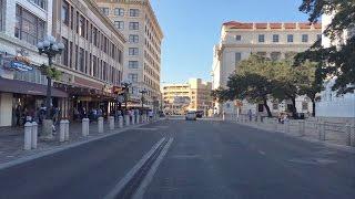 San Antonio (TX) United States  city photo : Driving Downtown - Alamo Plaza - San Antonio Texas USA