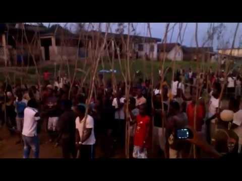 Parade des M'bédié pendant le Low des Mbroman Odjogba