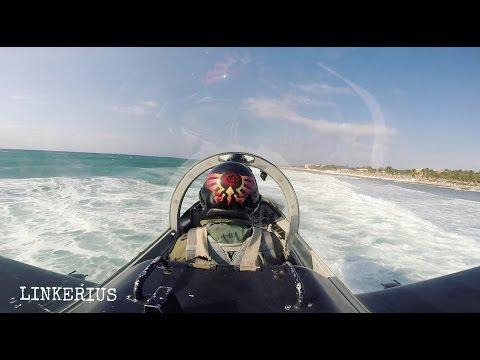 Taitava hävittäjälentäjä lentää todella matalalla – Katso hurja video!