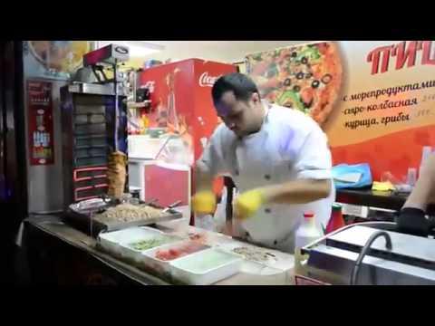 Kung Fu làm bánh nhanh như máy