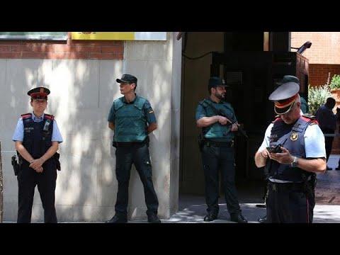 Οι Καταλανοί αρνούνται να παραδώσουν τον έλεγχο της αστυνομίας στη Μαδρίτη