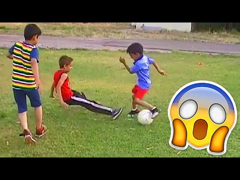 BEST SOCCER FOOTBALL VINES - GOALS, SKILLS, FAILS 25