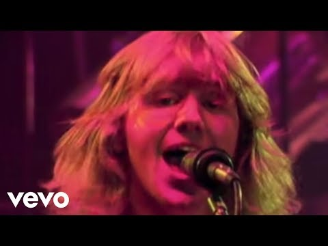 Triumph - Lay It On The Line (Official Video)