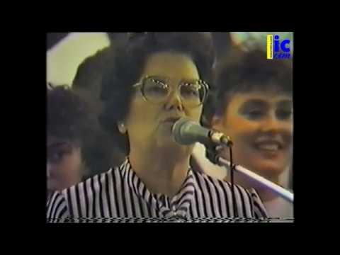Actuación del Coro del Pilar y María Pulido -Romería 1987.