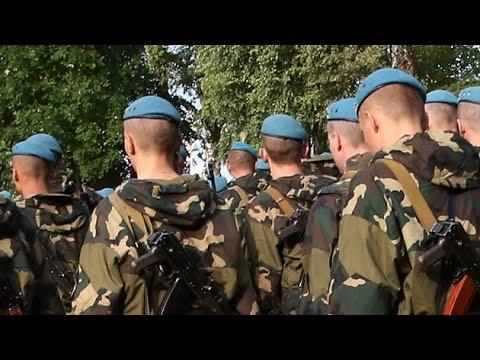 los - Este sábado Kiev ha entregado a Moscú a los soldados de las tropas aerotransportadas rusas detenidos este lunes en territorio ucraniano, después de haber cruzado por error la línea fronteriza...