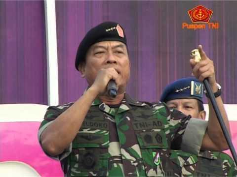 Panglima TNI Olahraga Bersama 1.500 Prajurit TNI