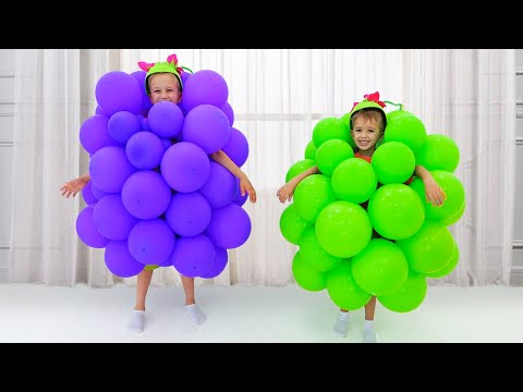 Vlad and Nikita make toys from balloons and have fun with mom