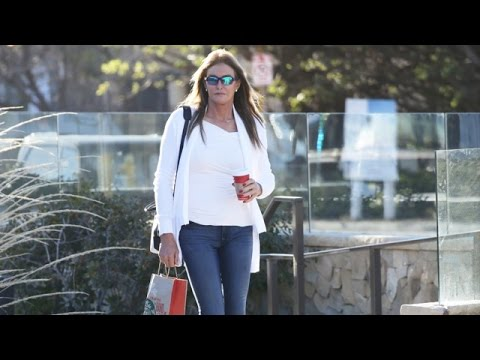 Caitlyn Jenner Confident In Malibu After Announcing Upcoming Memoir