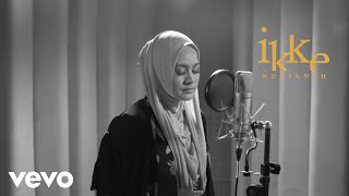 Download Video Ikke Nurjanah - Terhanyut Dalam Kemesraan (Official Lyric Video) MP3 3GP MP4