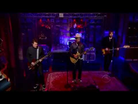 Ben Harper and Relentless7 - Lay There and Hate Me (The Late Show with David Letterman)