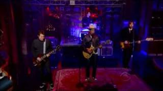 Ben Harper and Relentless 7 - Lay There and Hate Me (The Late Show)