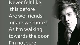One Direction - Change My Mind (Lyrics On Screen) lyrics (Portuguese translation). | [Louis]