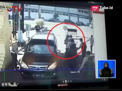 Download Video Detik-detik Terjadinya Ledakan Bom Di Mapolrestabes Surabaya - BIS 14/05