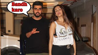 Video Arjun Kapoor CAUGHT With Malaika Arora At Kareena Kapoor's Birthday Party 2017 MP3, 3GP, MP4, WEBM, AVI, FLV Mei 2018
