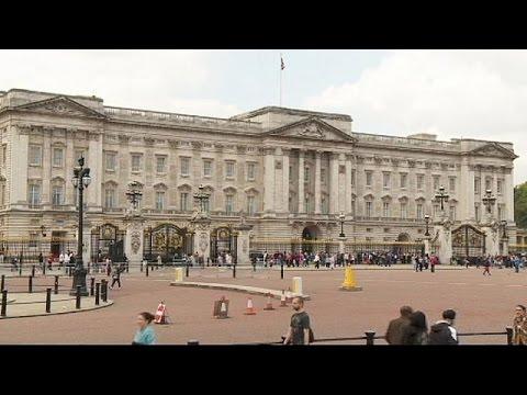 Βρετανία: Η μακροβιότερη και η δημοφιλέστερη Βασίλισσα η Ελισάβετ