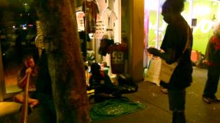 Video ALDAMAN & TIWI PEOPLE - Bungul on Mitchell street (Darwin 2013)