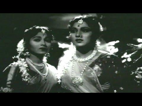 Aa Laut Ke Aaja Mere Meet - Nirupa Roy, Mukesh, Rani Rupmati Song