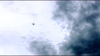 【4K】曇りの日に飛行機のタイムラプス撮影(Panasonic LUMIX DMC-FZ1000を使用)