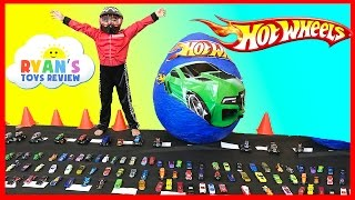 Video GIANT EGG HOT WHEELS Surprise Toys Opening with Disney Cars MP3, 3GP, MP4, WEBM, AVI, FLV Maret 2018