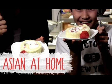 Cake Recipe : Strawberry Kiwi Roll Cake Recipe : Korean Style Sponge Cake