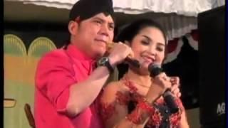 Video Dimas tejo Blangkon Dan Rina Riana Campur Sari Nyidam Sari MP3, 3GP, MP4, WEBM, AVI, FLV April 2019