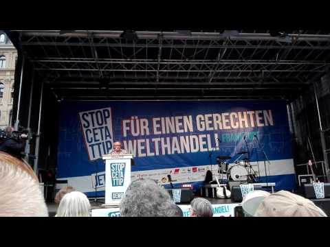 Demo Frankfurt 2016: Urban Priol auf #StopCETATTIP Demo am 17.9.2016 in Frankfurt