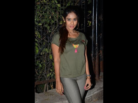 ACTRESS SRI REDDY USED TO WATCH B Grade FILMS A LOT   LATEST   TOLLYWOOD   NEWS   VIDEOS