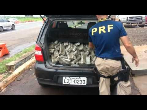 PRF apreende aproximadamente 200 kg de maconha em Carro de Otacílio Costa