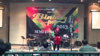 Semifinal Bintang Pop UI 2013 - Benci Tapi Rindu (Thya)