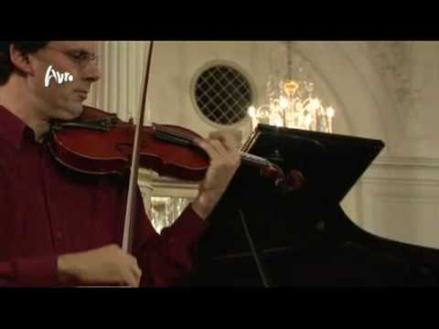 play video:Rudolf Koelman LIVE in Spiegelzaal: Cantabile from Opus 17 of Paganini.