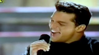Ricky Martin - Ay, Ay, Ay It's Christmas