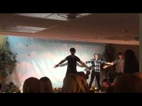 Tekst piosenki Alexander Rybak - Danse for trærne po polsku