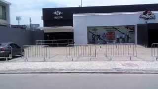 Vídeo da movimentação dos torcedores e o clima em frente ao estádio São Januário 2 hs antes da partida decisiva para o Vasco ! NO PRÓXIMO VÍDEO A ...
