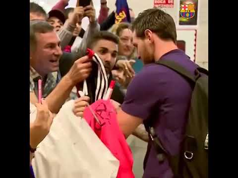 Young Fan Breaks Down To Tears After Getting Messi's Autograph